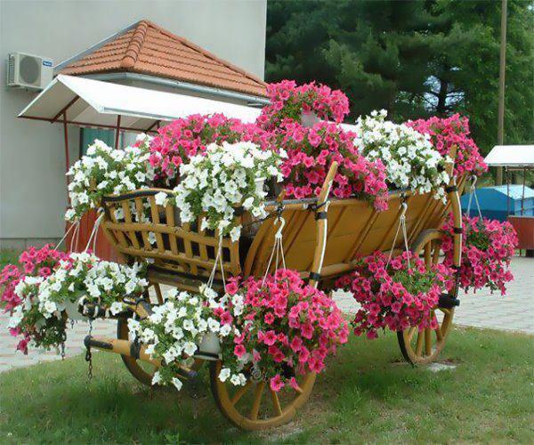 Saiba como criar um jardim com vasos plantasonya o seu for Carreta de madera para jardin