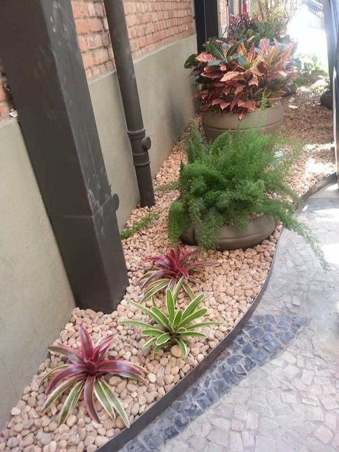 jardim com-pedras